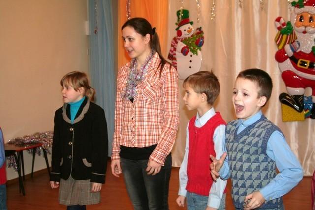 Вручение подарков от Деда Мороза детям Воронежского интерната №1